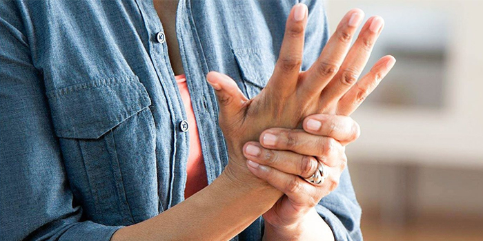 Arthritis: Symptoms, Causes and Treatment